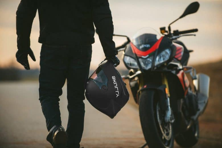 The Most Lightweight and Comfortable Motorcycle Helmets
